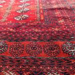 燃え上がるような赤の絨毯・トルクメン